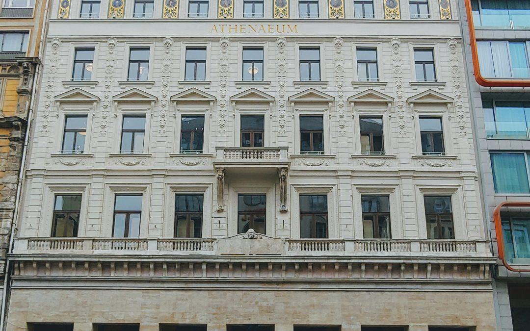 Hoppá! Gyönyörű lett a Rákóczi út 54 alatt található egykori Athenaeum Nyomda épület…