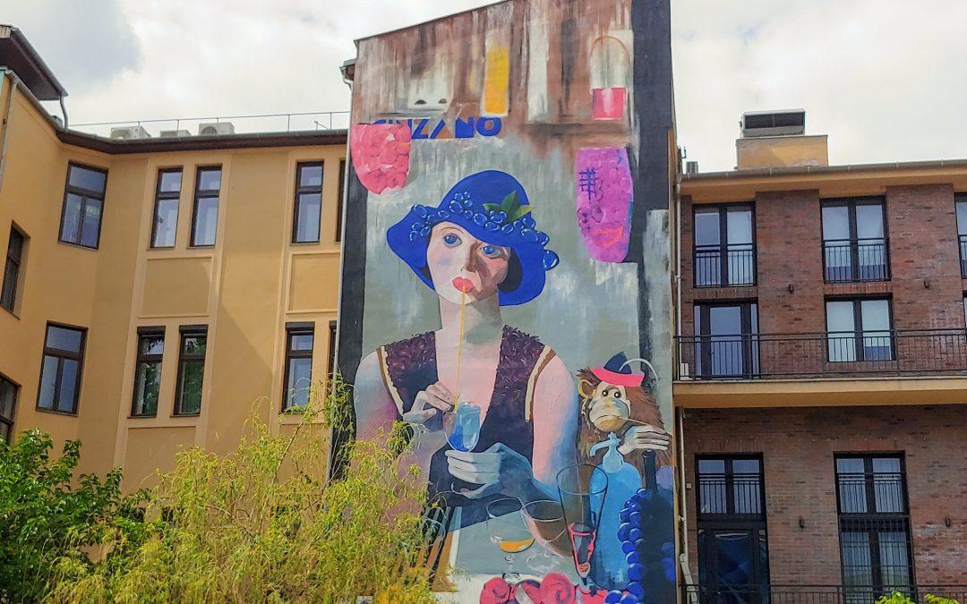 Láttátok már ezt a tűzfal-festményt a Kazinczy utca 47 titkos beugrójában? 😍