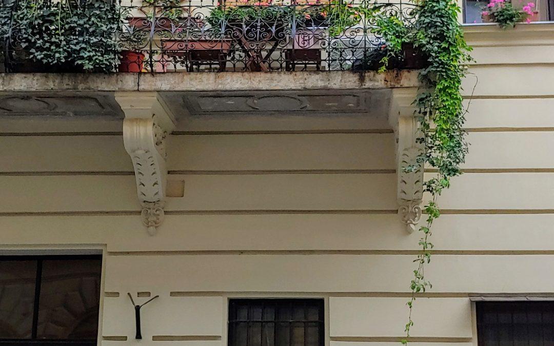 Azok a csodálatos pesti erkélyek… 💚