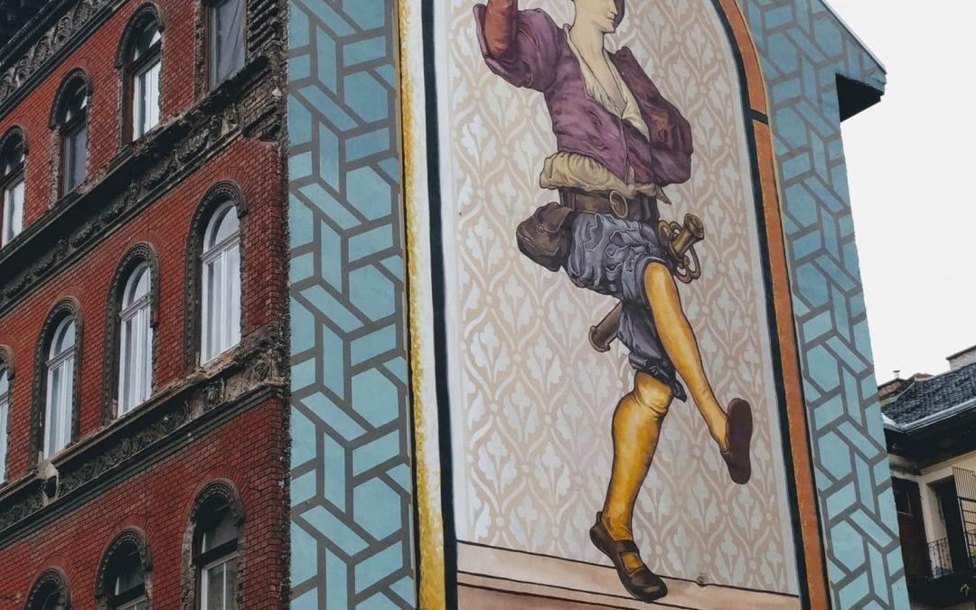 """A """"Tiroli fiú"""" Budapest egyik leglátványosabb tűzfal-festménye!"""
