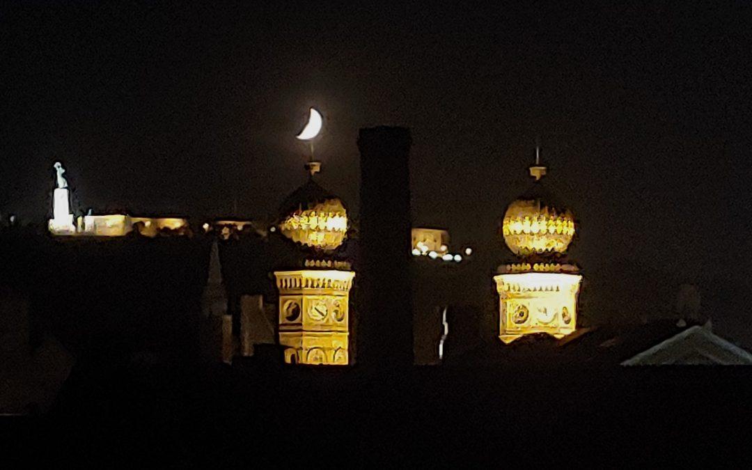 Erzsébetvárosi kilátás a Dohány utcai zsinagóga és a Gellért-hegy felé nézve! 🌜😊