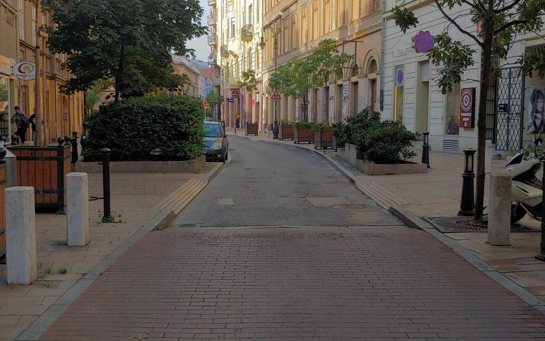 Amikor az otthonunkhoz közeli utcák és terek a nappalink meghosszabbításává válnak…..