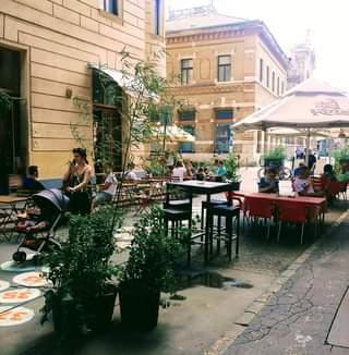 """Bevált a Bacsó Béla utcai projekt: ilyen az, amikor egy belvárosi utcaszakasz """"a"""